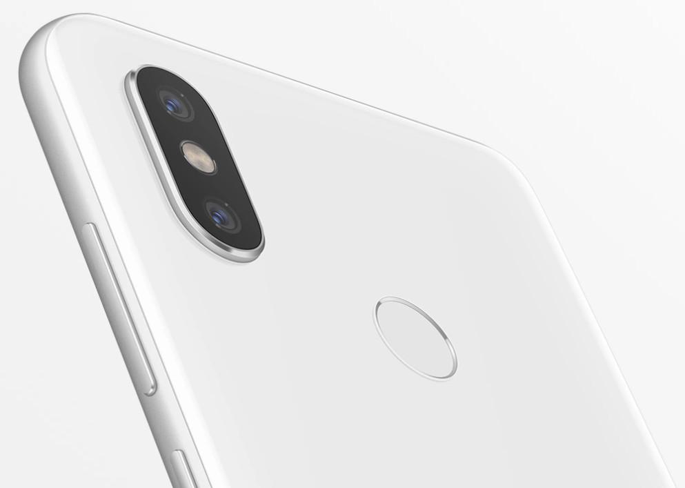 "Xiaomi Mi 8, el ""iPhone X chino"" llega a España por 499 euros 32"