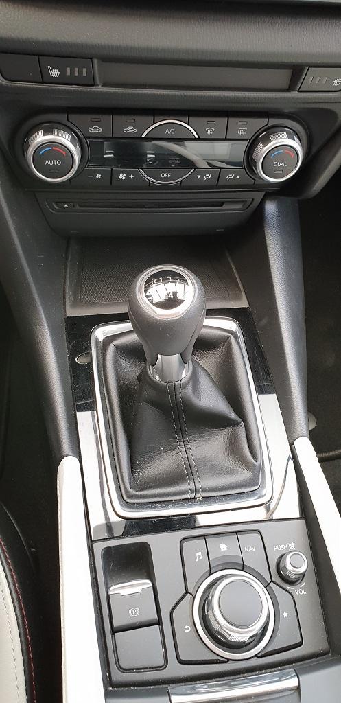 Mazda 3 sedán, suavidad 41