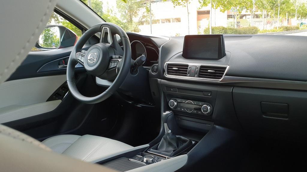 Mazda 3 sedán, suavidad 35