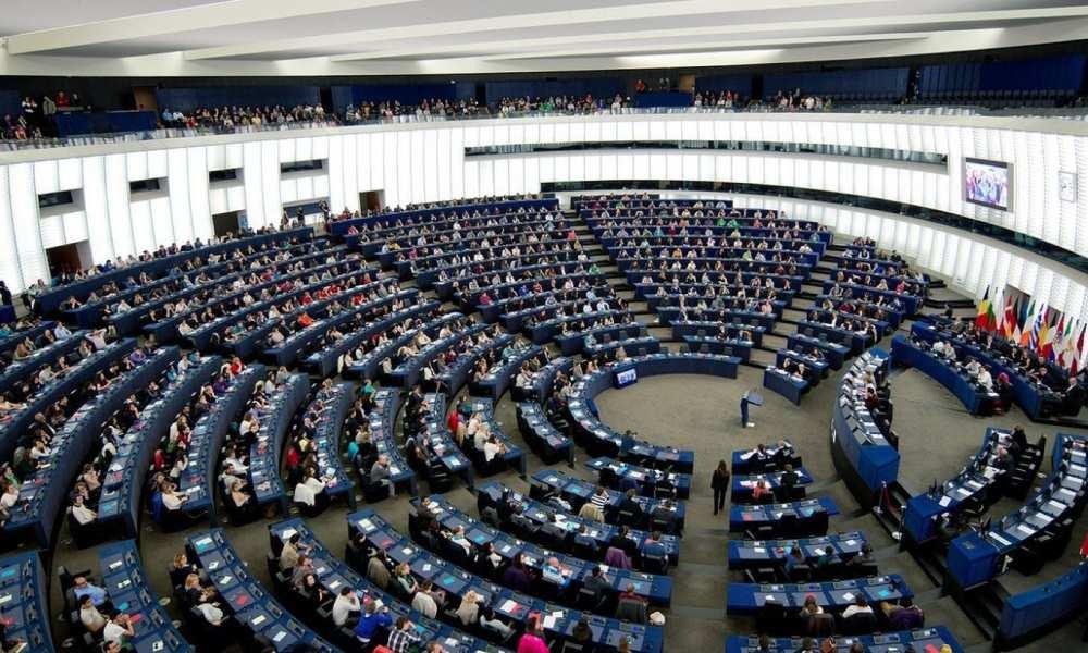 El Europarlamento aprueba la nueva Directiva sobre derechos autor 32