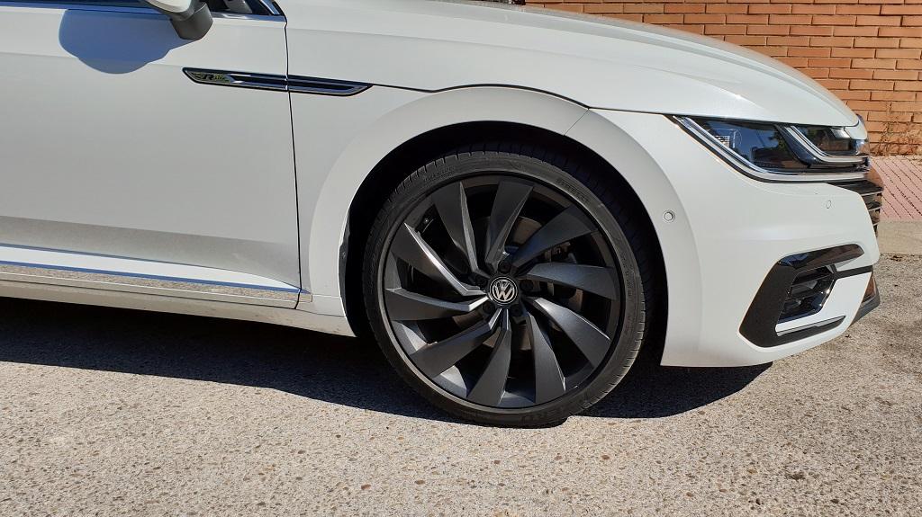 Volkswagen Arteon: Batman Vuelve 34