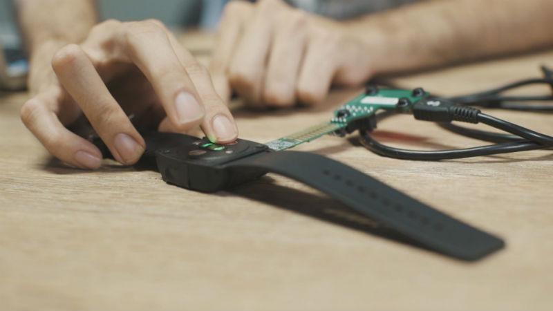 Rithmi, la pulsera inteligente que quiere prevenir el ictus 31