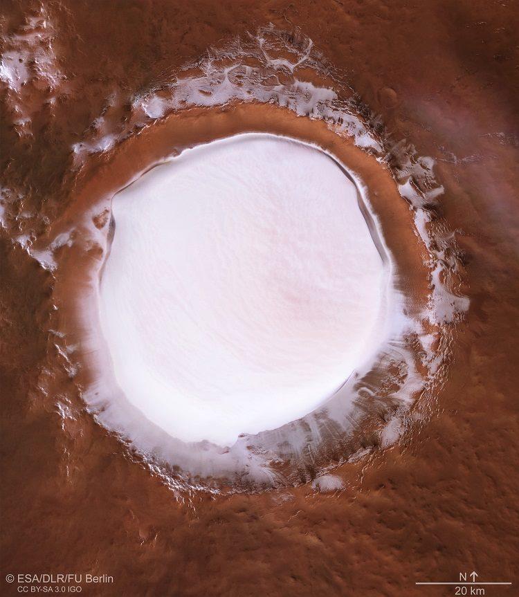 Así luce un enorme cráter helado en Marte, cortesía de la Mars Express 34