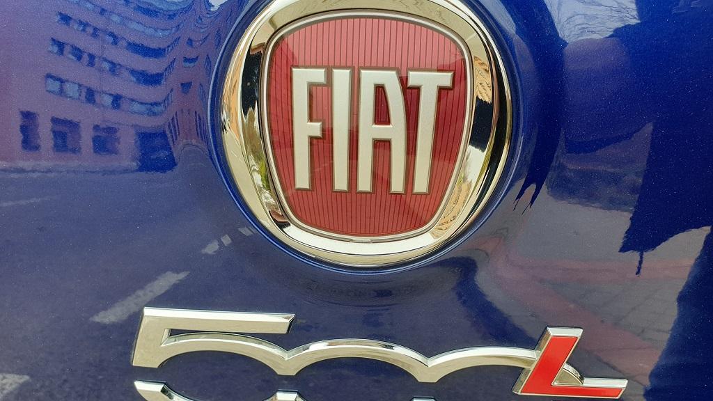 Fiat 500L, a escala 32