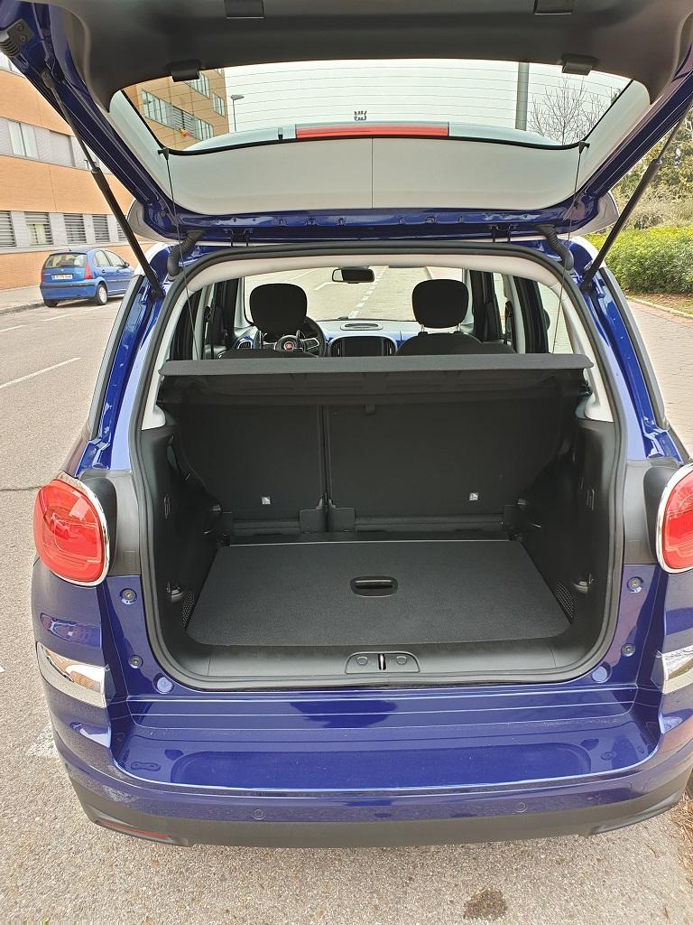 Fiat 500L, a escala 51