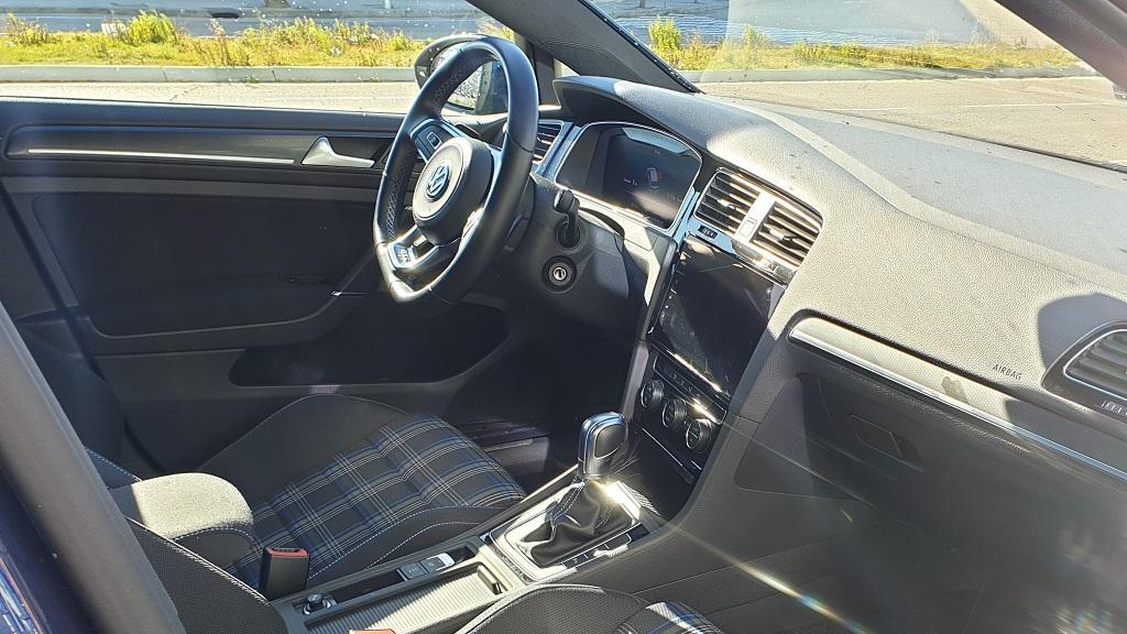 Volkswagen Golf GTE, conexiones 37