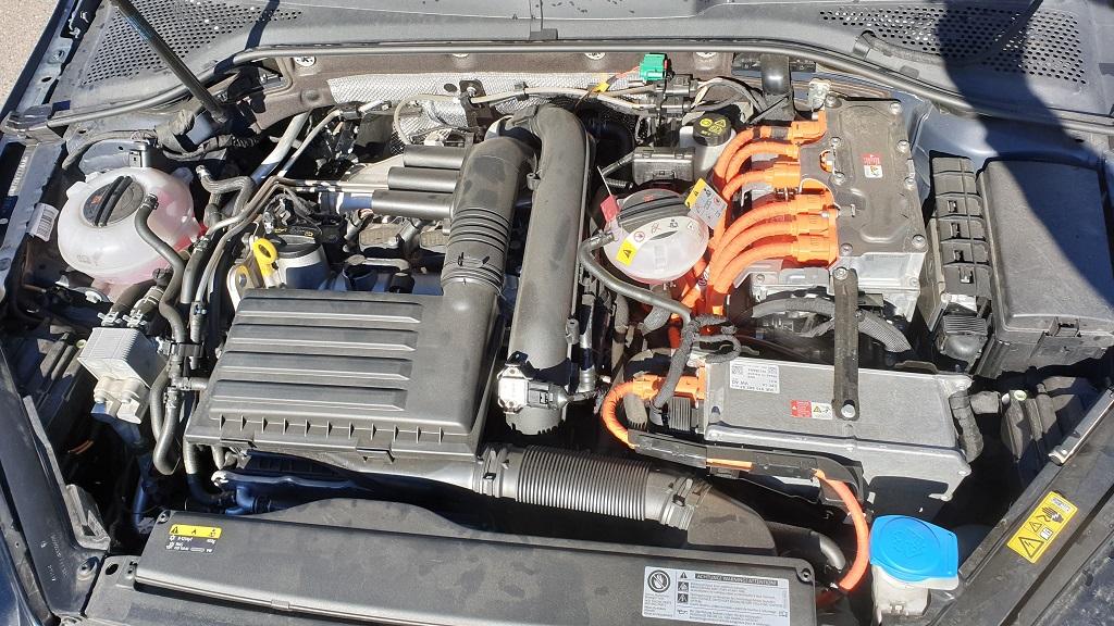 Volkswagen Golf GTE, conexiones 49