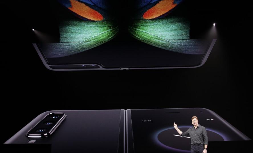 Samsung presenta el smartphone plegable, Galaxy Fold 35