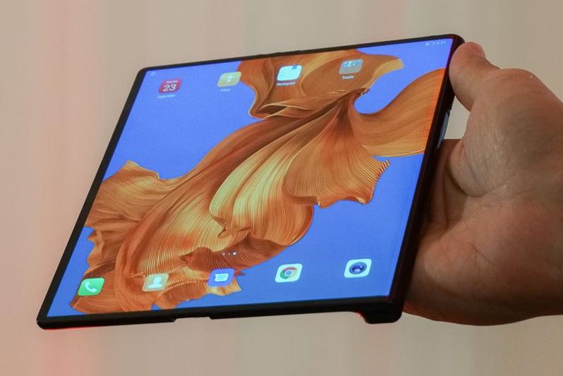 Huawei Mate X, impresionante smartphone plegable con 5G 35