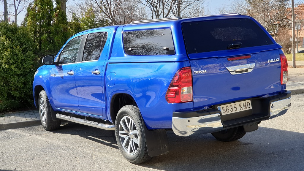Toyota Hilux, rocas 48