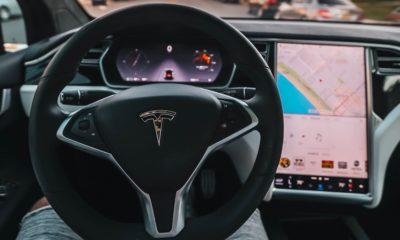 Tesla actualizará a Chromium el navegador de sus coches 42