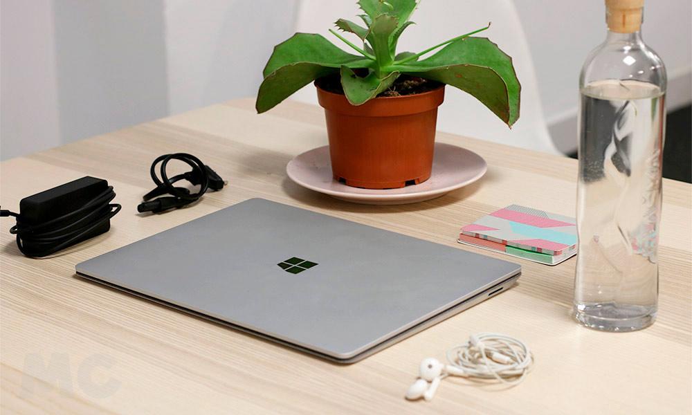 Microsoft Surface Laptop 2 33