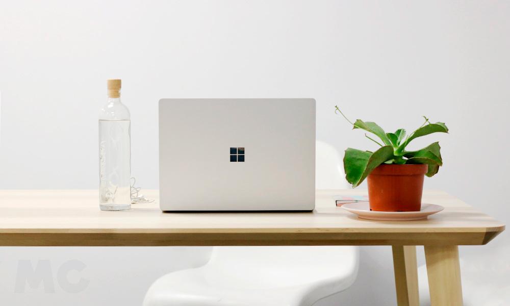 Microsoft Surface Laptop 2 41