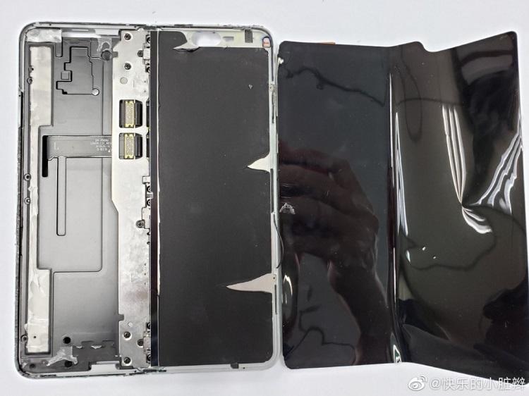 Despiece del Galaxy Fold, así es por dentro lo nuevo de Samsung 40