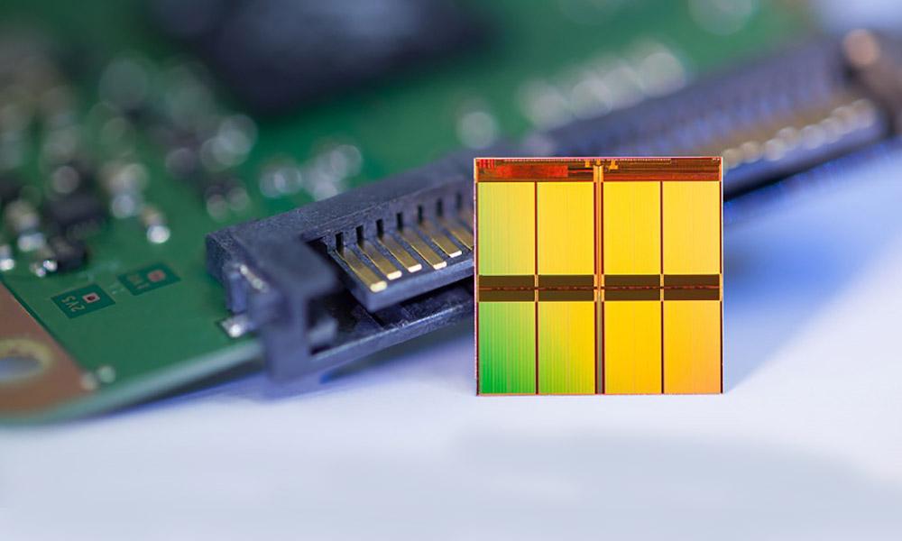 Team Group anuncia el primer SSD con refrigeración líquida 32