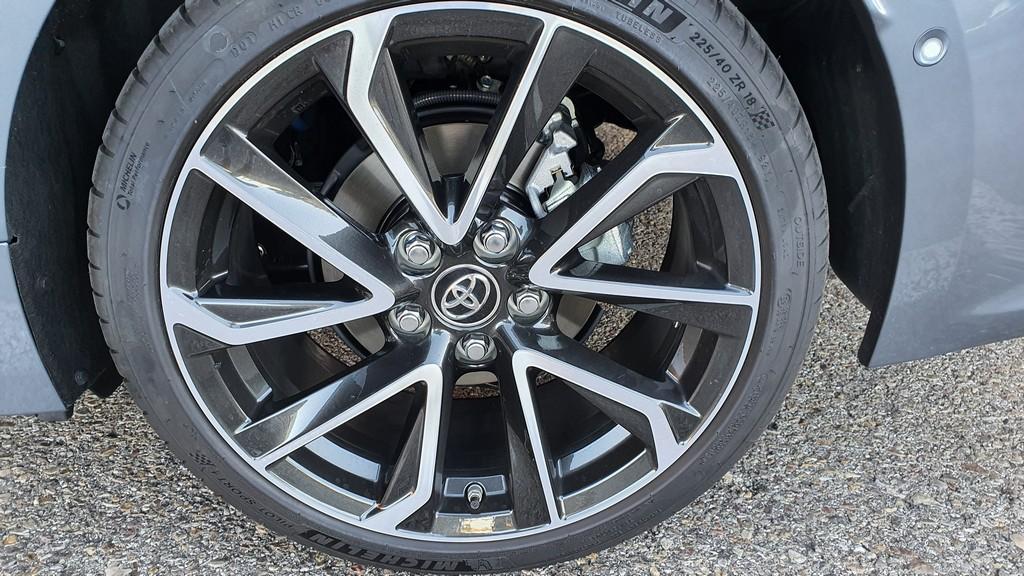Toyota Corolla Sedan, convicción 43