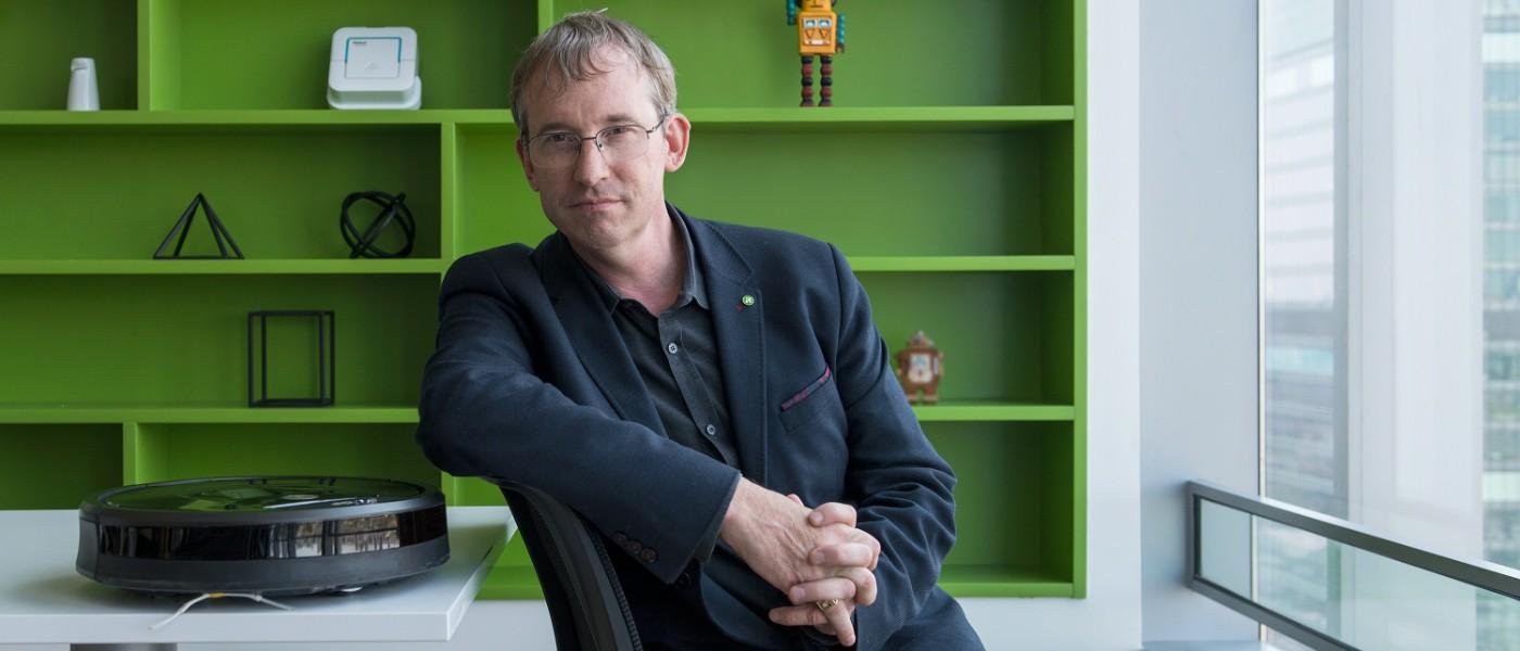 """""""La competencia sigue copiando lo que hacemos"""", hablamos con Colin Angle, CEO de iRobot 30"""