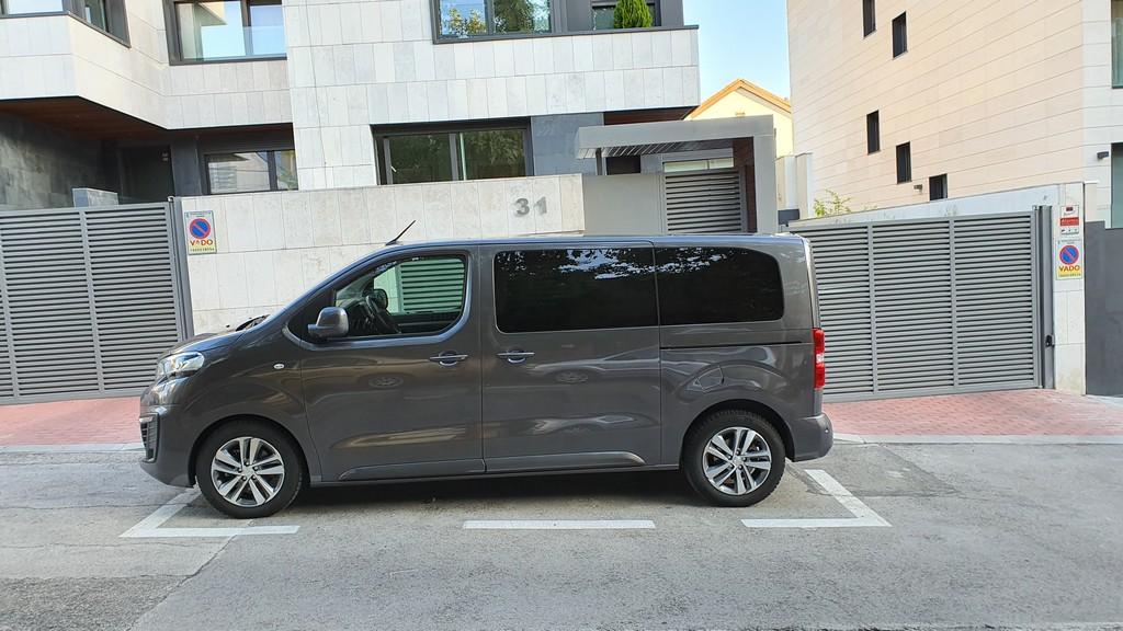 Peugeot Traveller, fondos 50