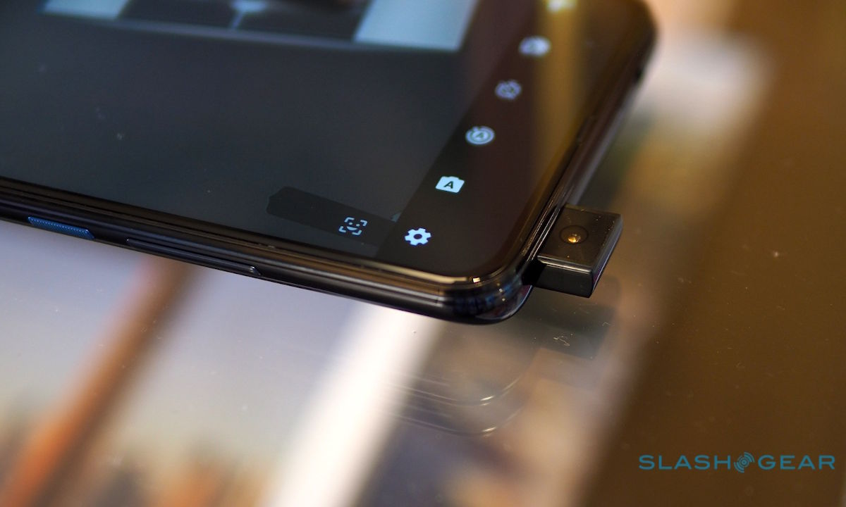 cámara emergente del Motorola One Hyper