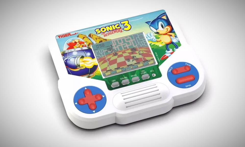 Vuelven las pequeñas videoconsolas Tiger de Hasbro 40