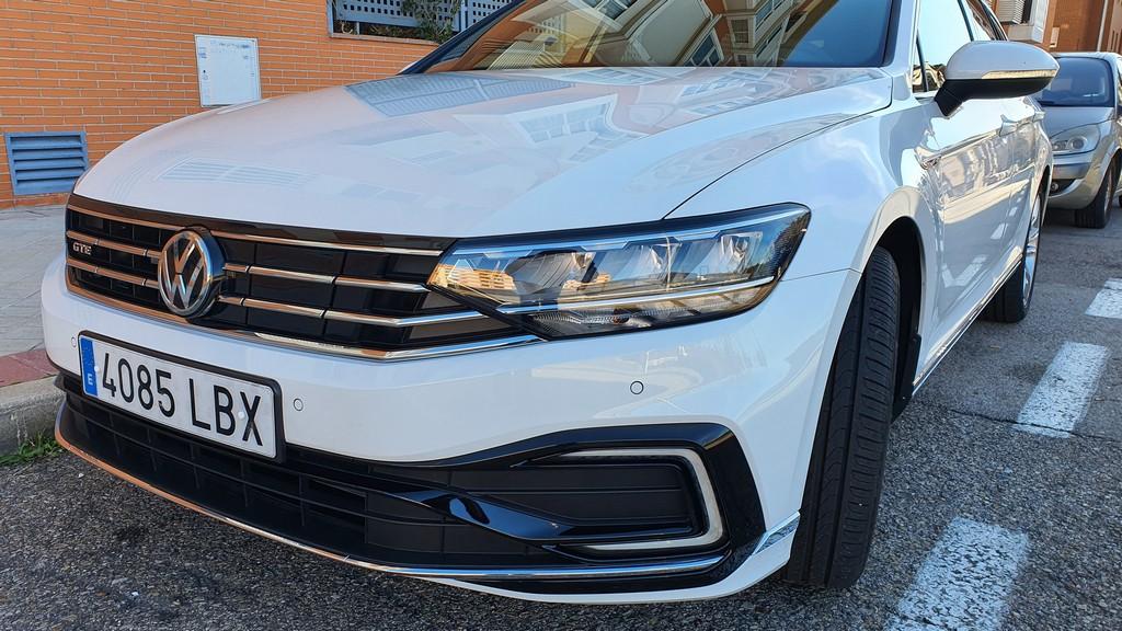 Volkswagen Passat GTE 2019, comprensivo 32