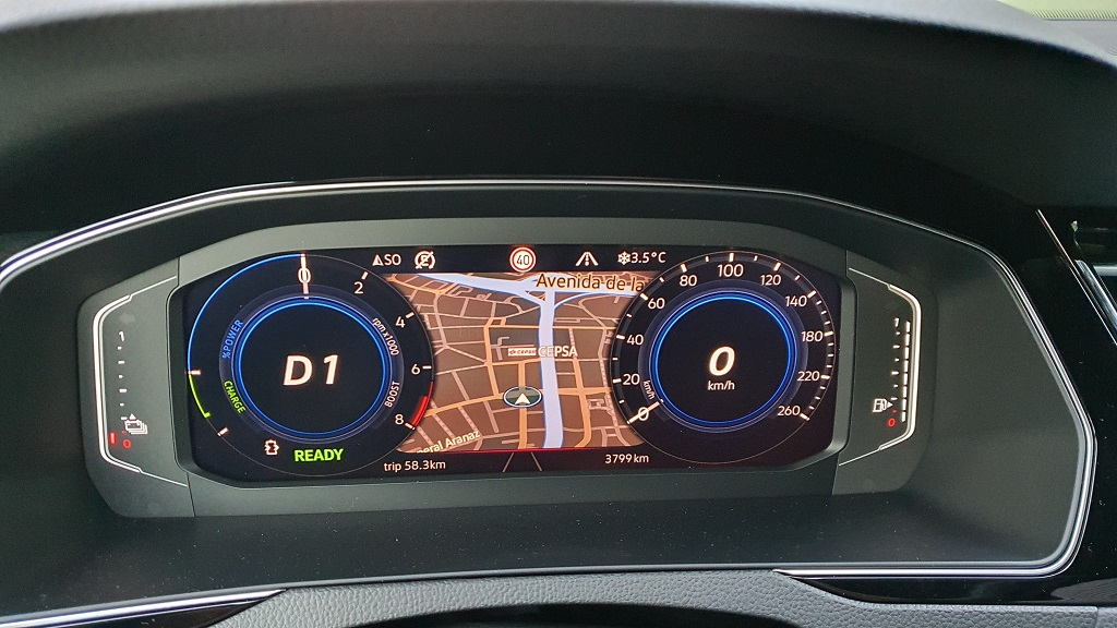 Volkswagen Passat GTE 2019, comprensivo 37
