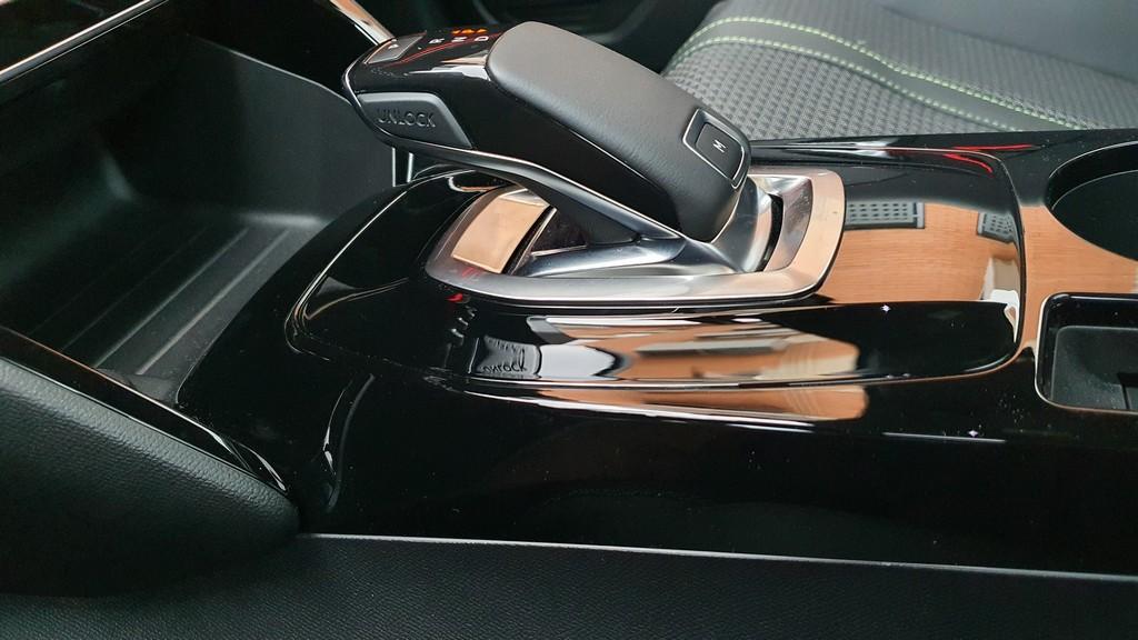 Peugeot 208, mitificando 48