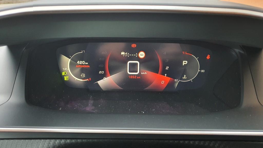 Peugeot 208, mitificando 38