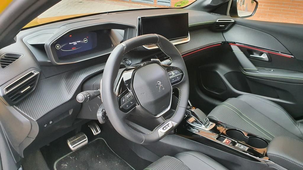 Peugeot 208, mitificando 42