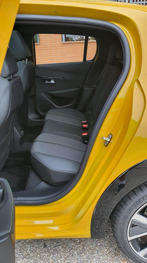 Peugeot 208, mitificando 44