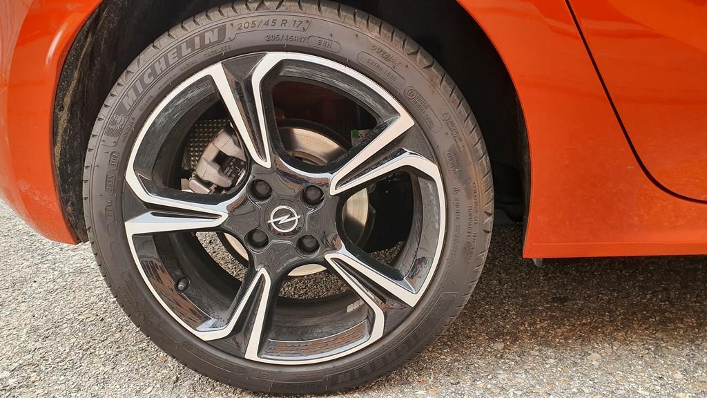 Opel Corsa 2020, cimientos 44