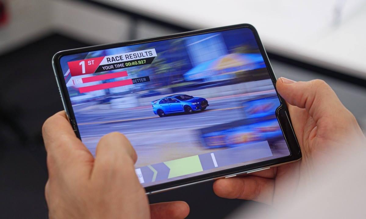 El Galaxy Fold 2 tendrá una pantalla más grande y mayor resolución 32