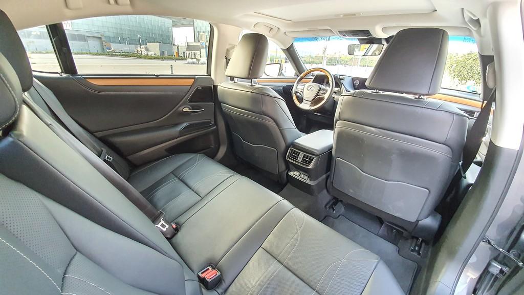 Lexus ES, metas 39