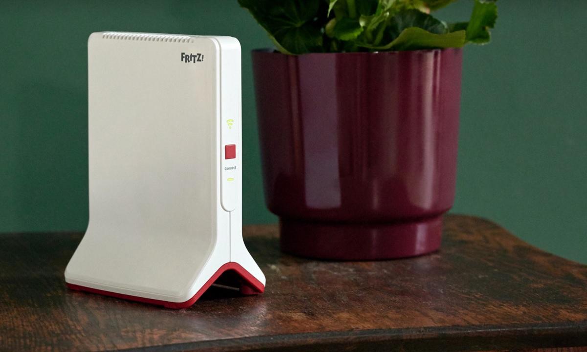 FRITZ!Repeater 3000 de AVM: un repetidor tribanda de alto rendimiento con Wi-Fi Mesh 30