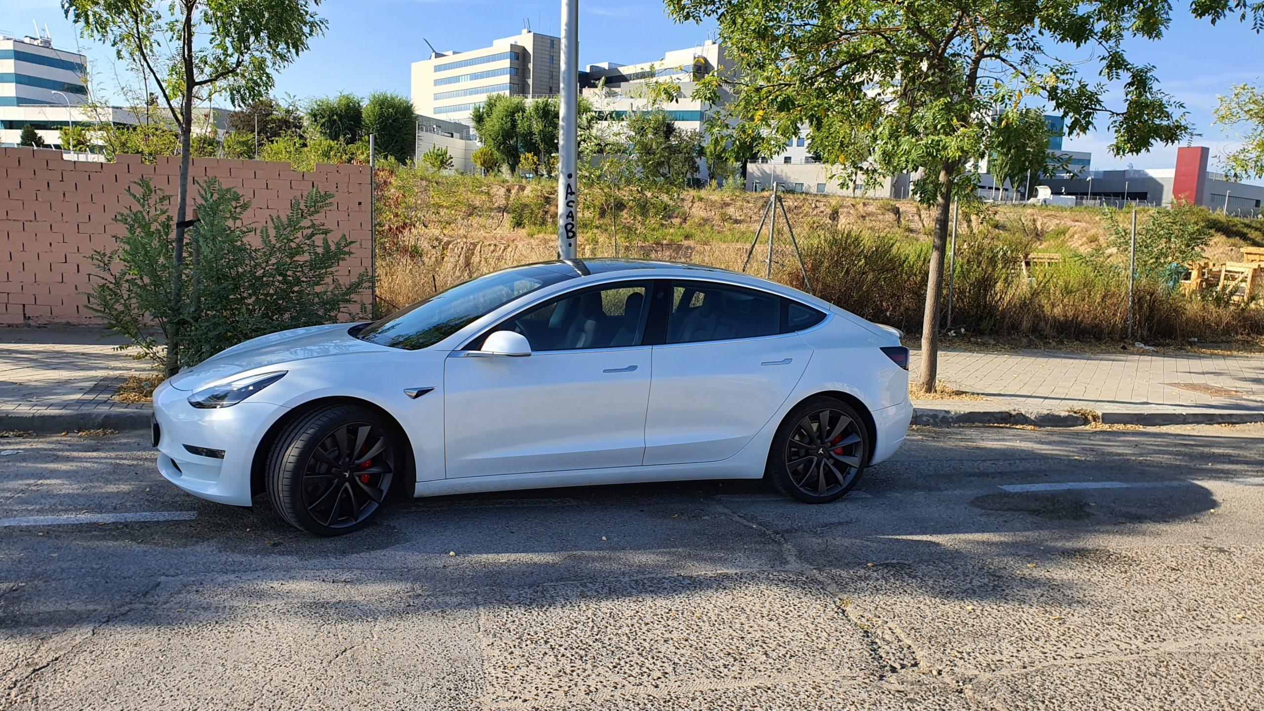 Tesla Model 3, alturas 54
