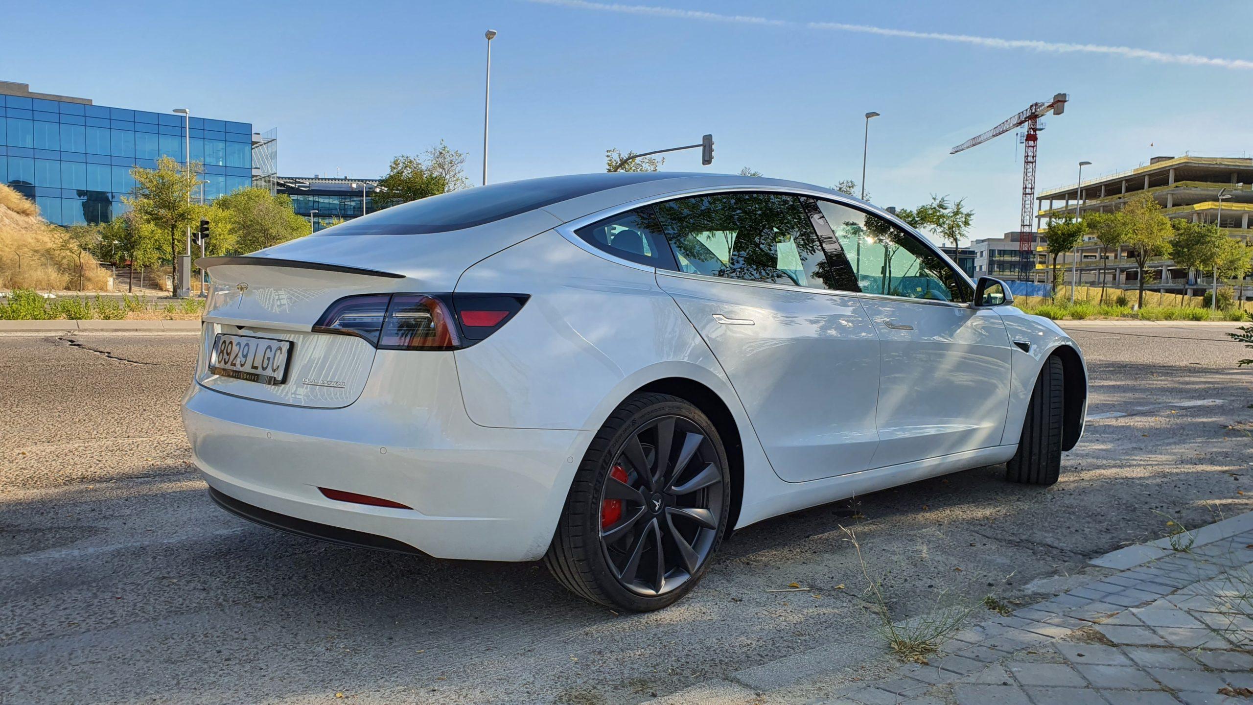 Tesla Model 3, alturas 30