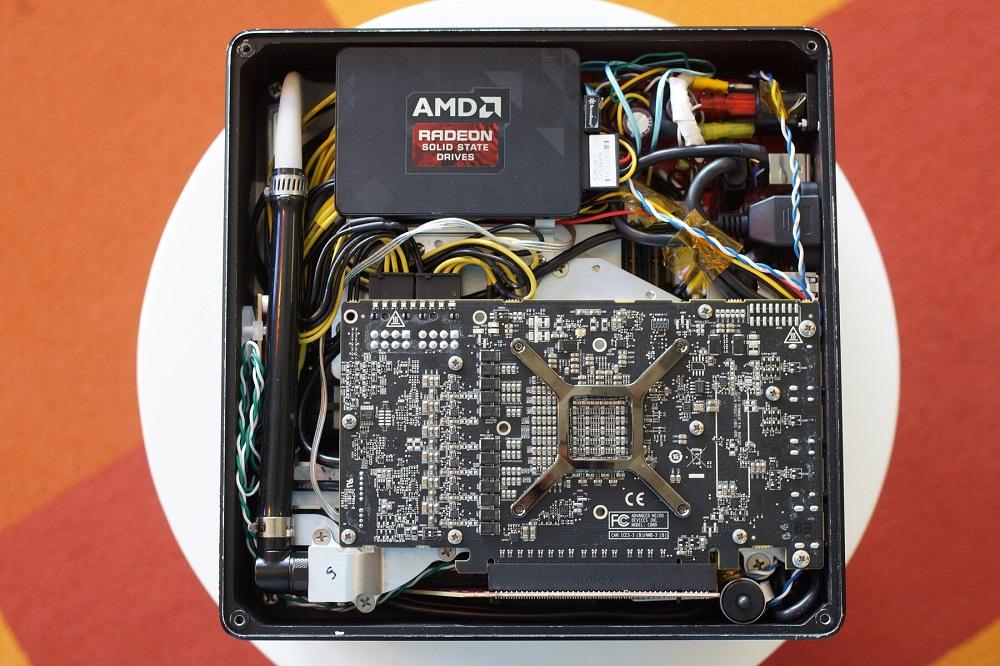 AMD no confiaba en sus procesadores para su PC Project Quantum, pero ahora tiene todo lo que necesita 33