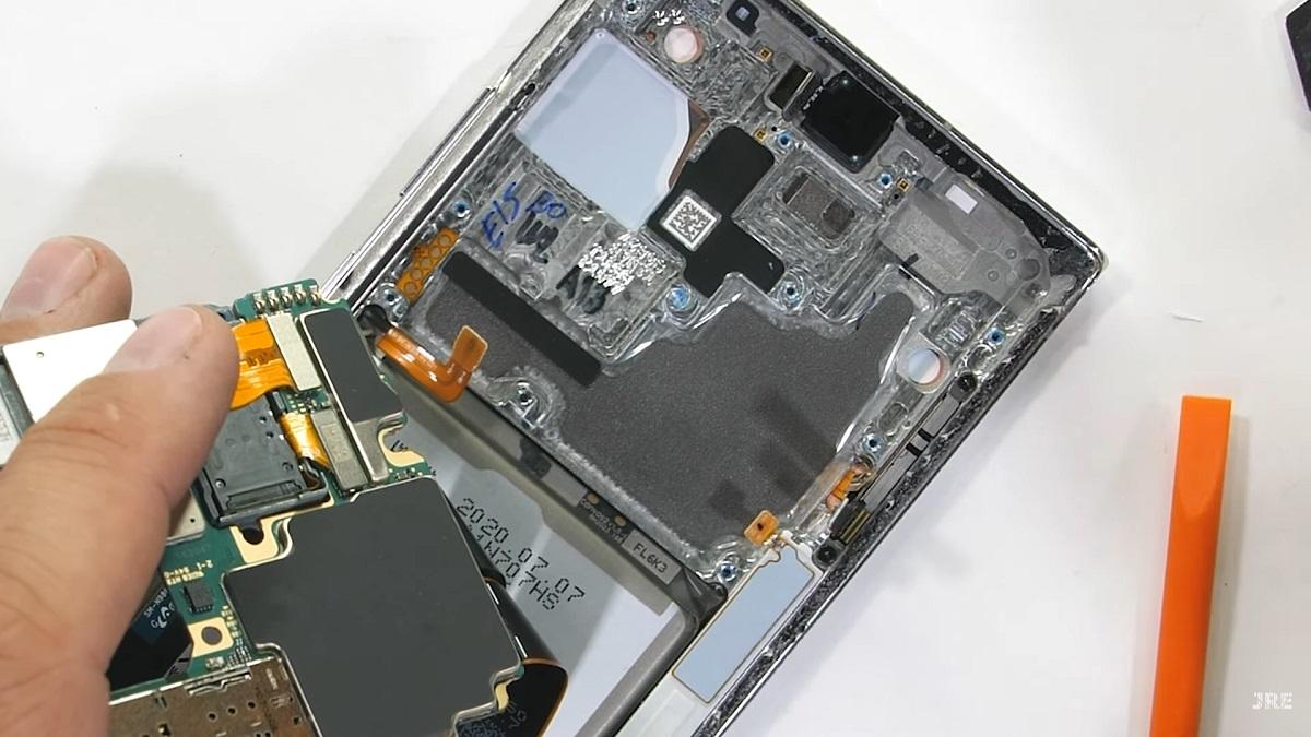 interior de un smartphone