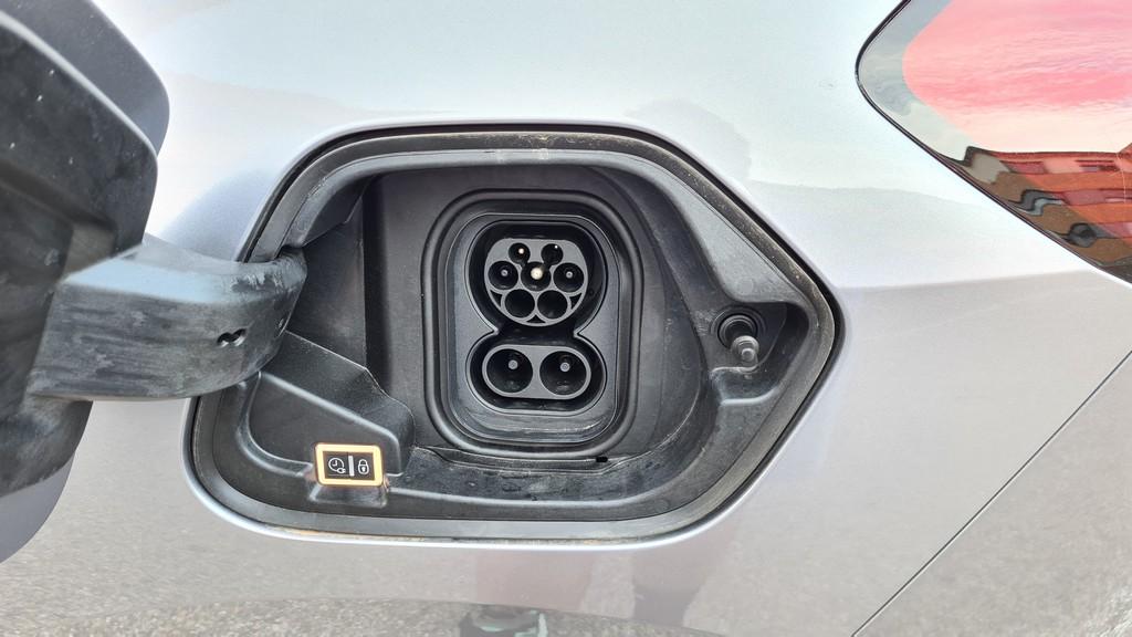 Opel Corsa-e, destilado 41