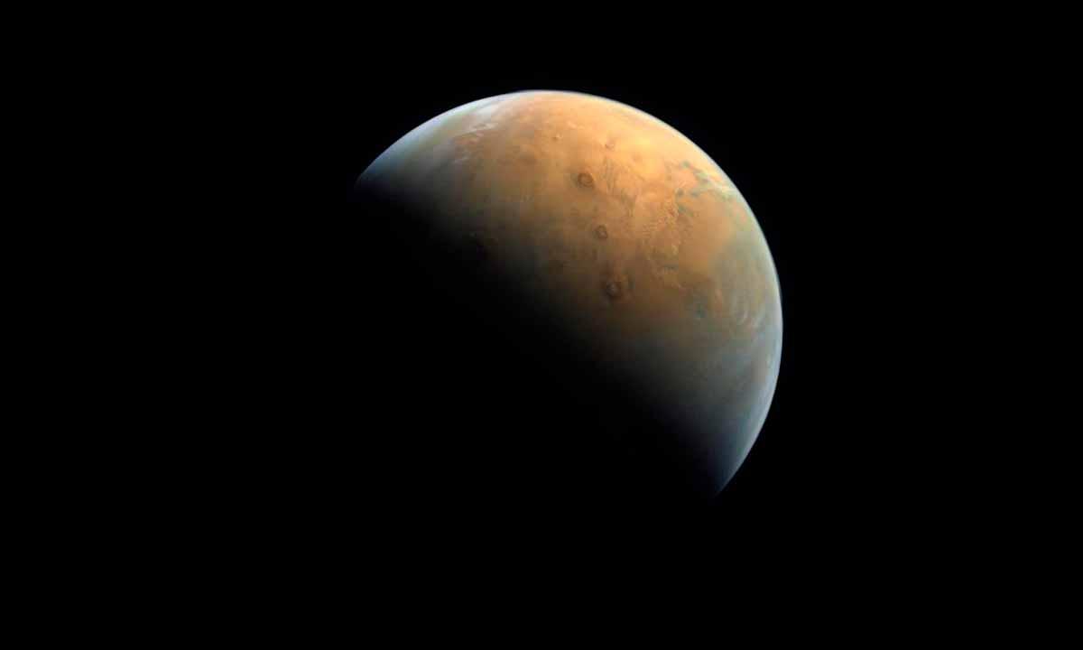 La sonda Hope envía su primera imagen de Marte