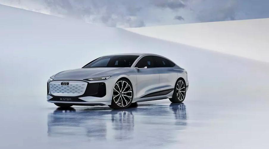 El Audi A6 e-tron proyectará videojuegos en una pared mientras lo recargas 32