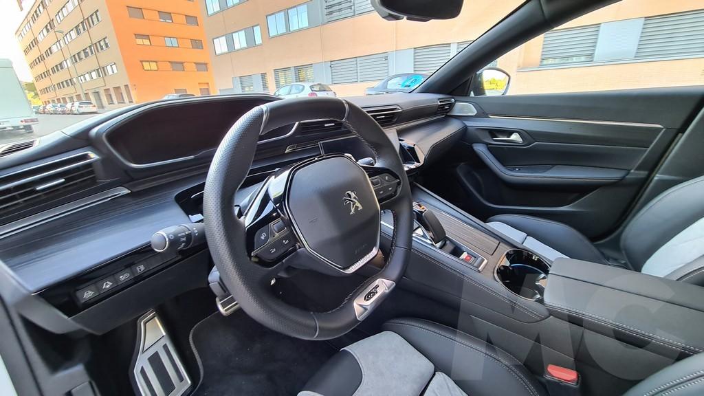 Peugeot 508 HYBRID, tendencias 35