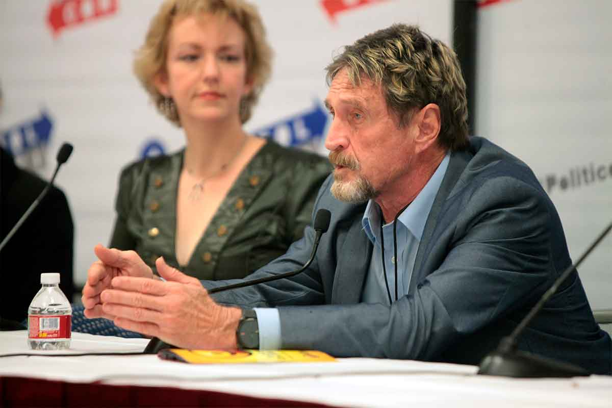 John McAfee se quita la vida tras una orden de extradición