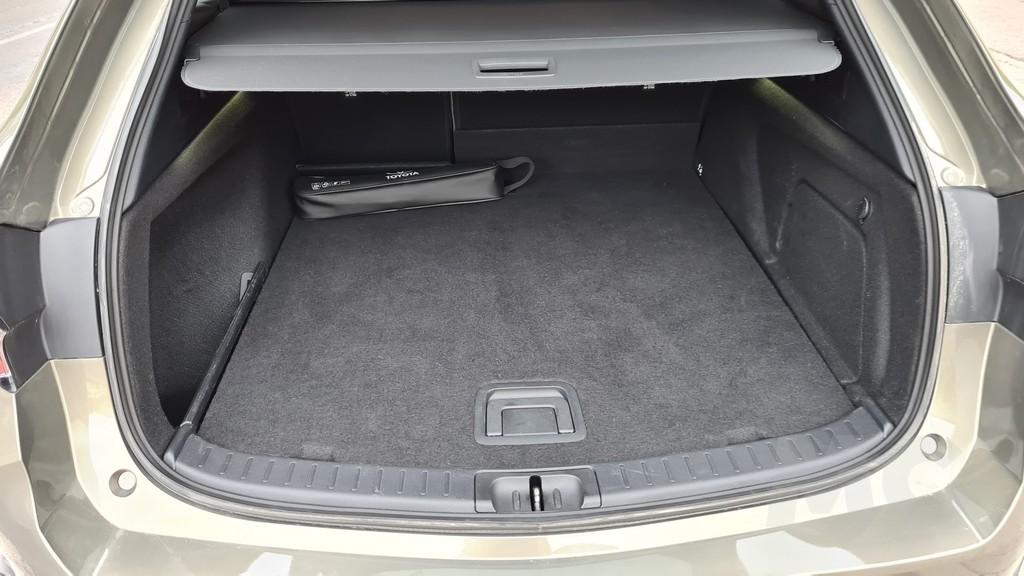 Toyota Corolla Trek, términos 40